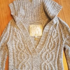 American Eagle gray deep v pullover sweater sp